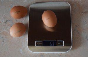 Тежина на јајце кокошката, колку тежи грам без школка